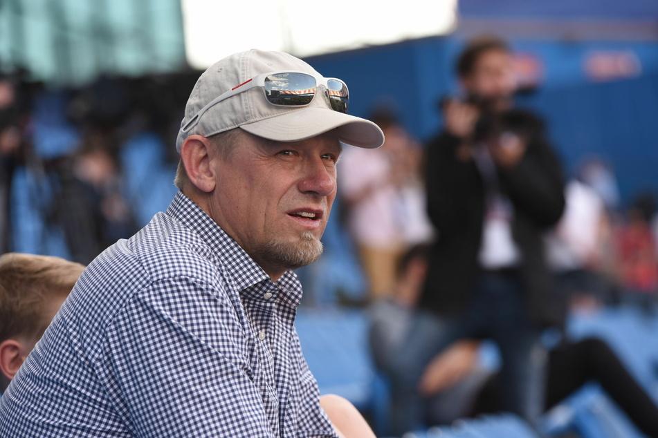 Der ehemalige Welttorhüter Peter Schmeichel (56) hat Manuel Neuer (34) kritisiert.