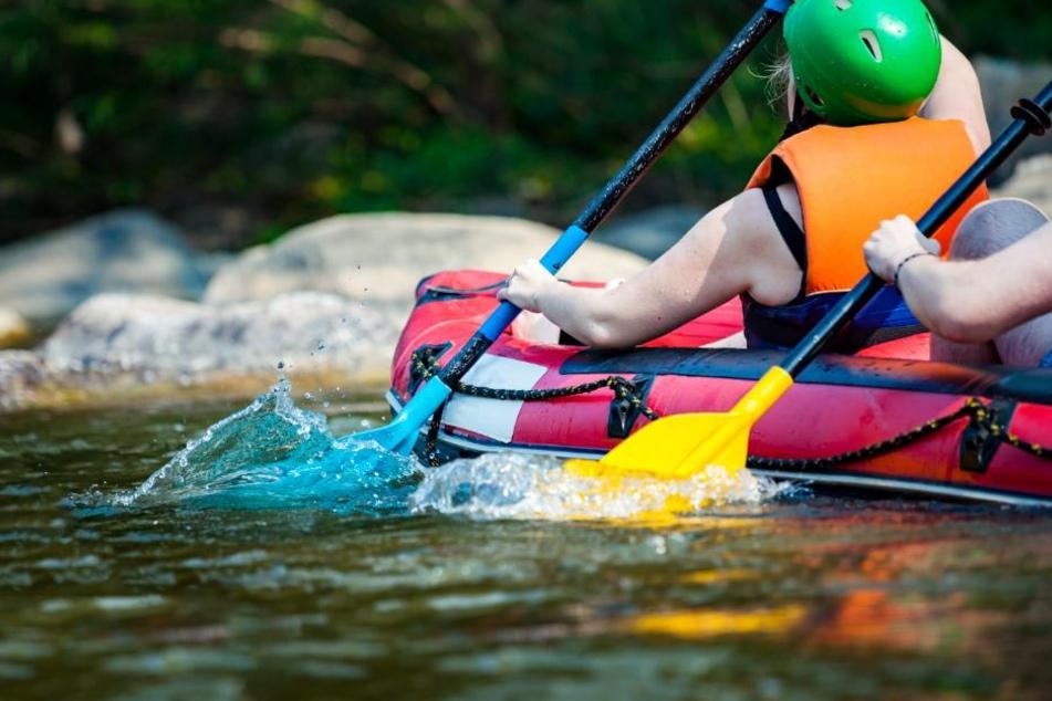 Werder Schwimmer, noch Taucher oder Boote dürfen den See aktuell betreten. (Symbolbild)