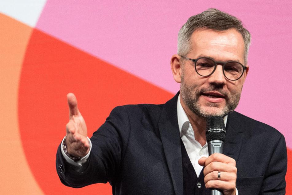 Michael Roth spricht zu den Parteimitgliedern bei der SPD-Regionalkonferenz (Archivbild).