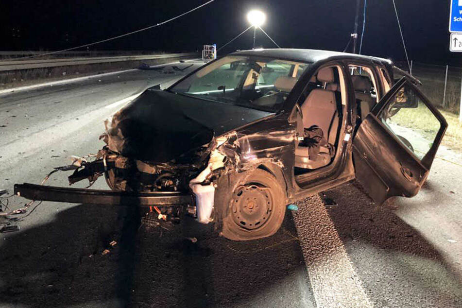 Audi-Fahrerin rast in Unfallstelle: Zwei Ersthelfer sterben!