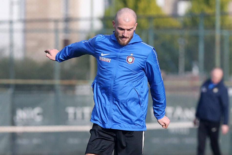 Darf er bleiben oder nicht? Proband Roman Debelko muss am Dienstag gegen den FC Sion zeigen, was er auf dem Kasten hat.
