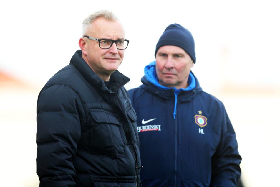 Michael Voigt (l.) als kaufmännischer Geschäftsführer und Präsident Helge Leonhardt steuern den FCE Aue gemeinsam durch die Corona-Krise.