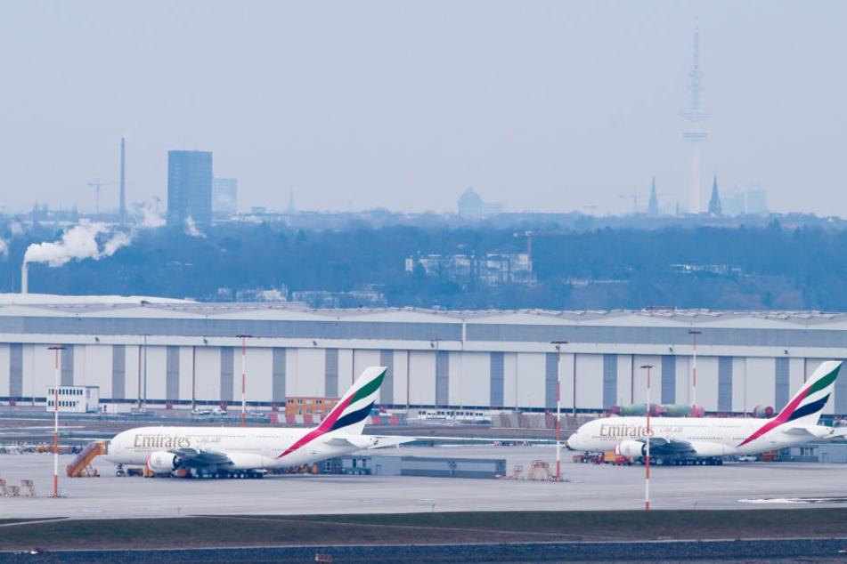 In der Airbus-Flugzeugwerft wird unter anderem der A380 gebaut (Archivbild).