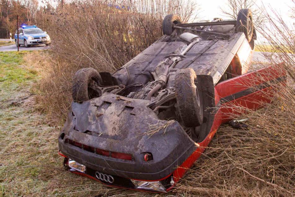 Der Fahrer musste verletzt ins Krankenhaus gebracht werden.