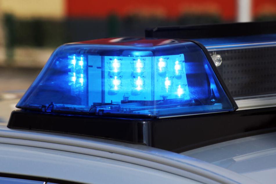 Die Polizei sicherte die Unfallstelle ab.