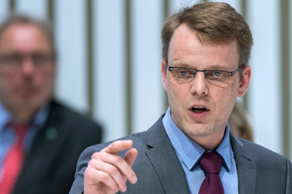 Nikolaus Kramer, Fraktionschef der AfD im Landtag von Mecklenburg-Vorpommern, spricht im Landtag. (Archiivbild)