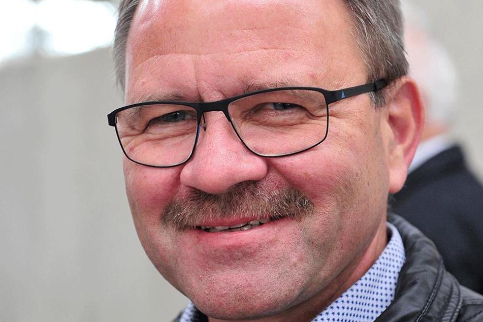 ERZ-Bahn-Chef Lutz Mehlhorn (56) sieht ohne Halt kürzere Fahrzeiten, hätte aber auch gegen einen Stopp in Hilbersdorf nichts einzuwenden.