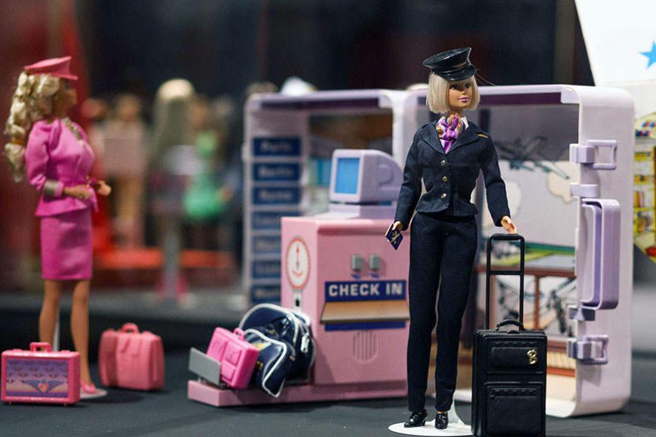 Die Ausstellung soll in besonderer Weise die Vorreiterrolle von Barbie in der beruflichen Emanzipation zeigen.