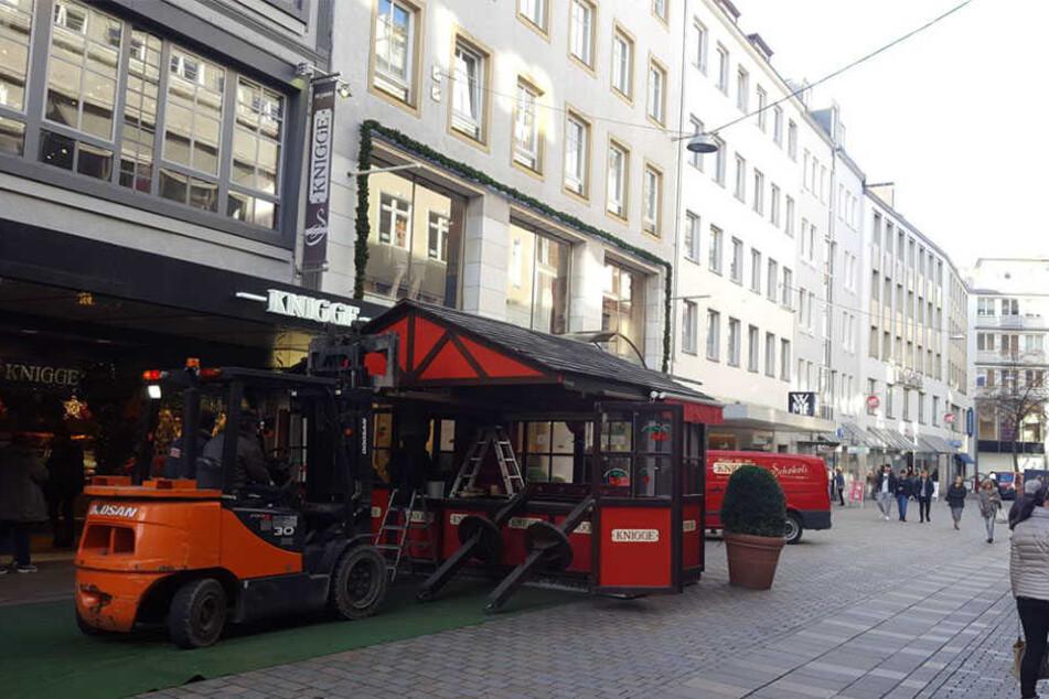 Auch in der Niedernstraße kommen immer mehr Hütten dazu.