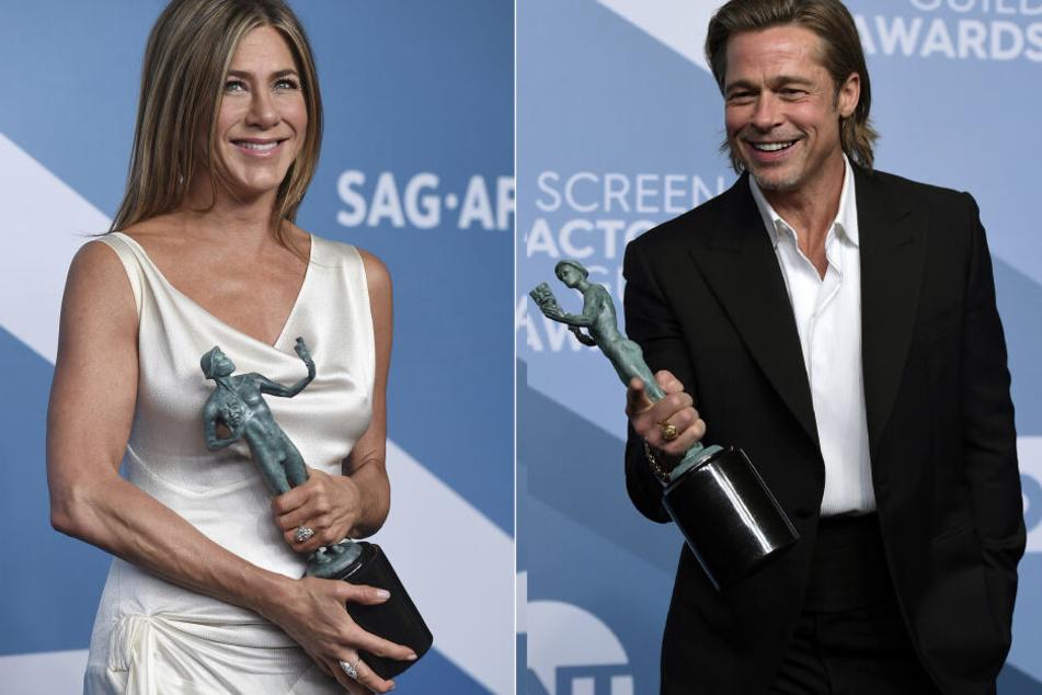Jennifer Aniston und Brad Pitt mit ihren Preisen bei den SAG-Awards am Sonntag.