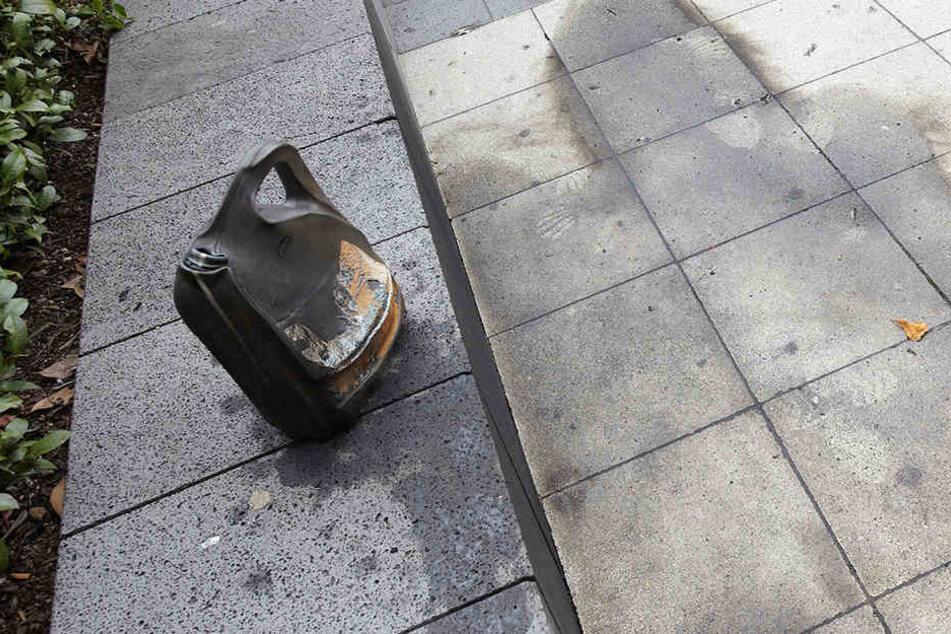 Der Mann übergoss die Frau mit Benzin. (Symbolbild)