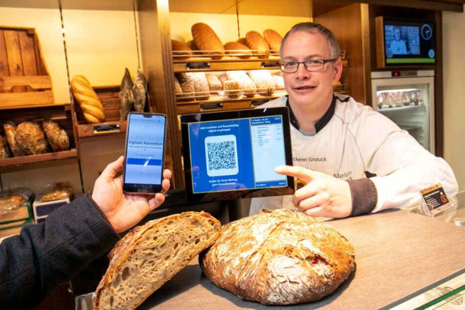 Bei Bäcker Marlon Gnauck kann man einen QR-Code scannen und bekommt den Bon per Mail.