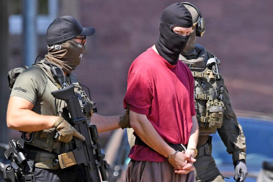 Mordfall Lübcke: Polizei macht schockierenden Fund bei Durchsuchungen