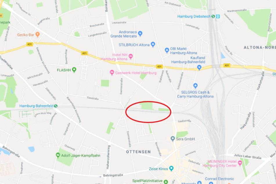 In dem rot markierten Bereich wird die neue Bahnstation im Laufe des Jahres errichtet. Wann die Anwohnerinformation dazu erfolgt ist noch unklar.