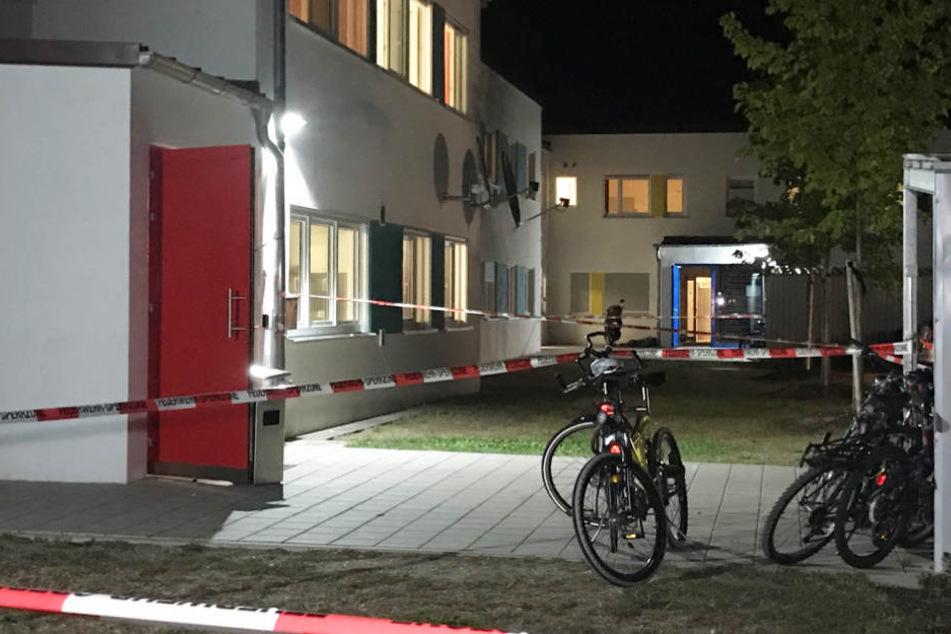 In einer Asylunterkunft in Niederbayern wurde eine Feuer gelegt.