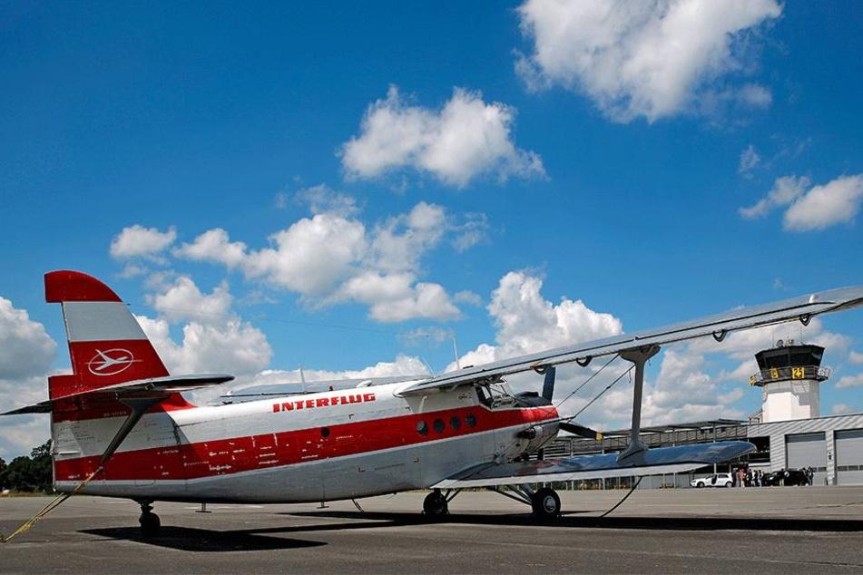 Antonov ja, aber für moderne Learjets von Geschäftsreisenden ist die  Jahnsdorfer Landebahn zu kurz.