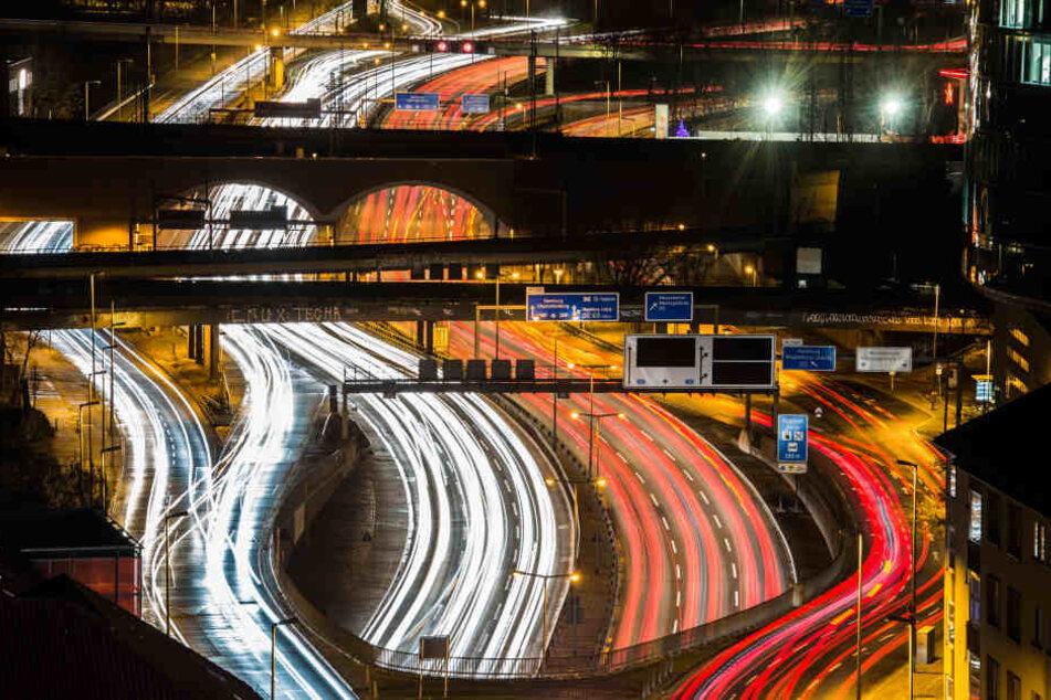 Auf der A100 in Berlin wurde ein Mann in der Nacht zu Montag mit 100 km/h zu viel erwischt (Symbolbild).