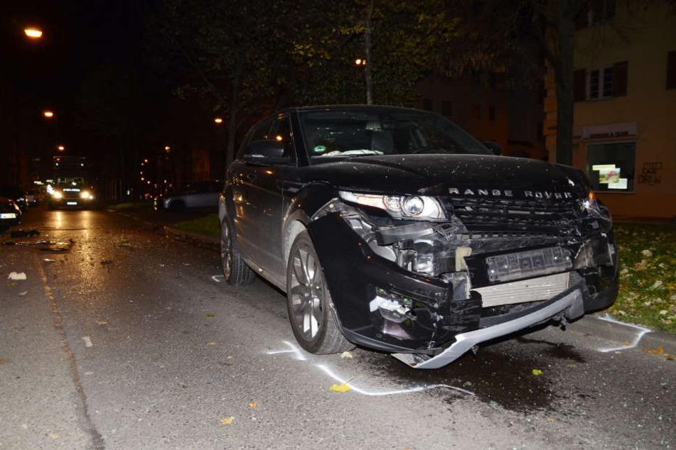 Der Polo prallte mit voller Wucht gegen einen Range Rover.
