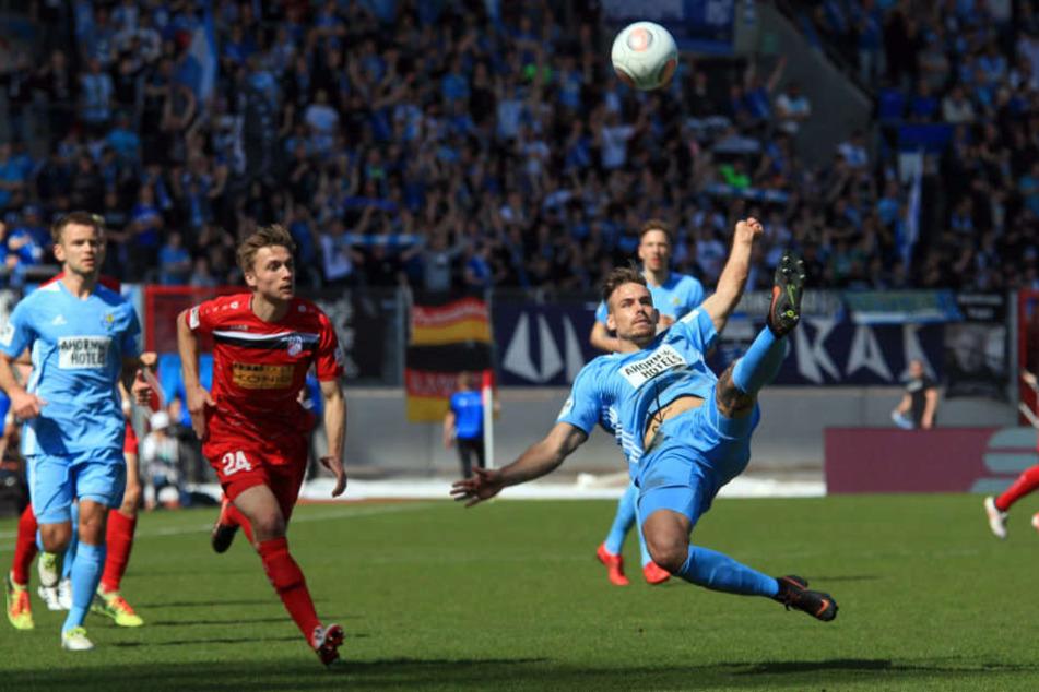 Die Chemnitzer zeigten im Spiel, wer den Ball führt.