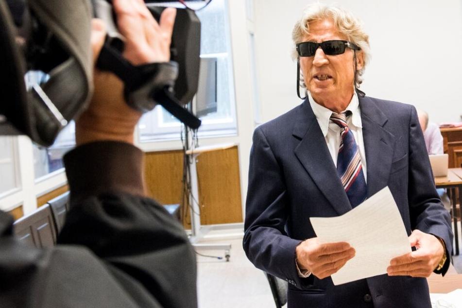 Der 70-Jährige soll für eine Serie von Banküberfällen verantwortlich sein.