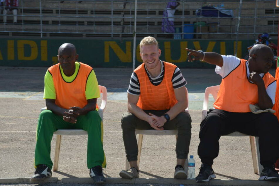 Kölner Sportstudent war Cheftrainer in Tansania: Darum gab es für Spieler Sex-Strafen