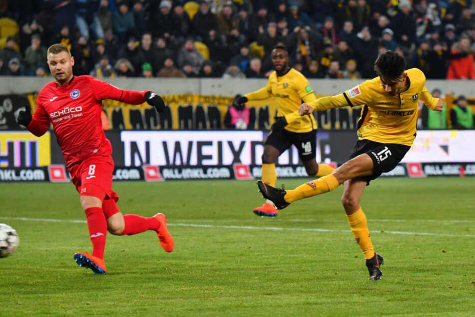 Sein Debüt-Treffer: Osman Atilgan (r.) netzt zum 1:0 gegen Bielefeld ein.