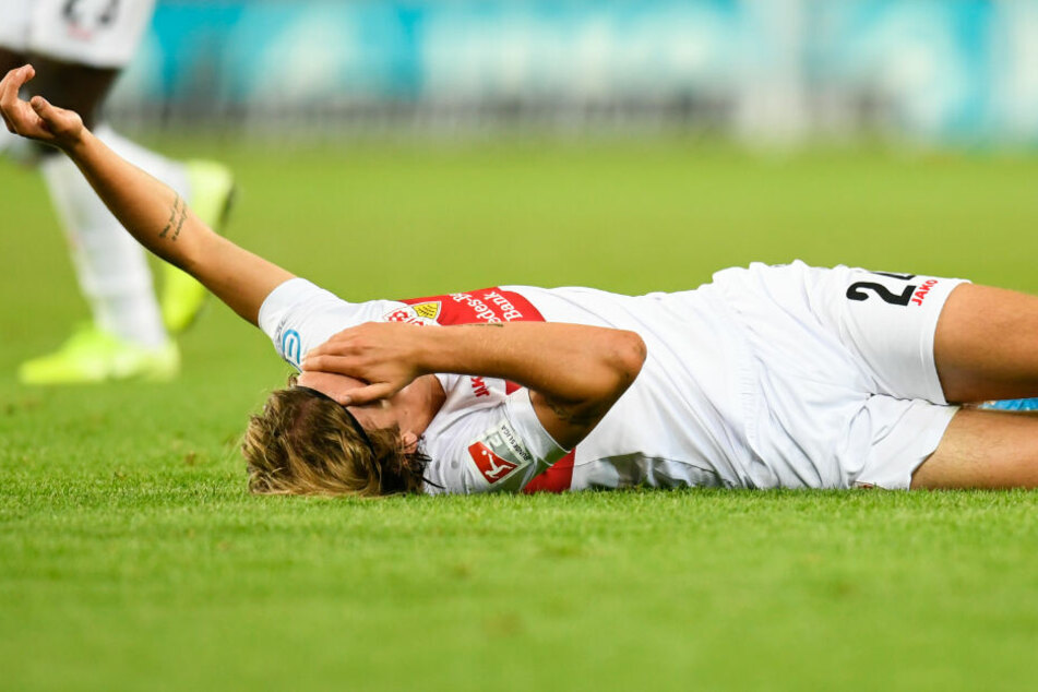 Hier noch am Boden, wird am Sonntag jedoch wieder mitwirken können: VfB-Linksverteidiger Borna Sosa.