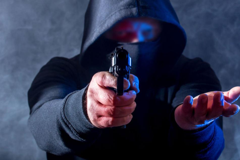Brutaler Überfall auf Gastro-Ehepaar: Räuber schießt auf Mann