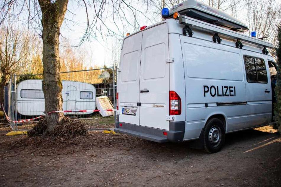 Die Polizei durchsuchte mehrfach die Parzelle des Hauptverdächtigen auf dem Campingplatz Eichwald.