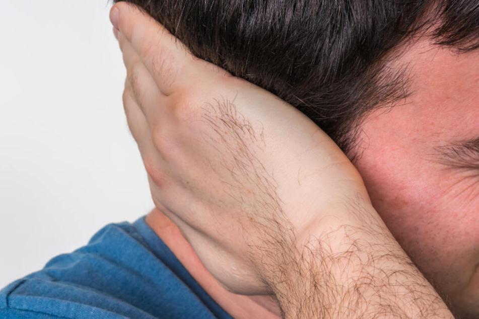 Die Beschwerden im Gehörgang eines Mannes waren so stark, dass er ärztliche Hilfe aufsuchte (Symbolbild).
