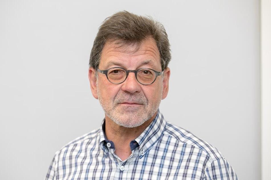 Reinhard Koettnitz (62) ist als Amtsleiter im Straßen und Tiefbauamt für die Ampelschaltungen zuständig.