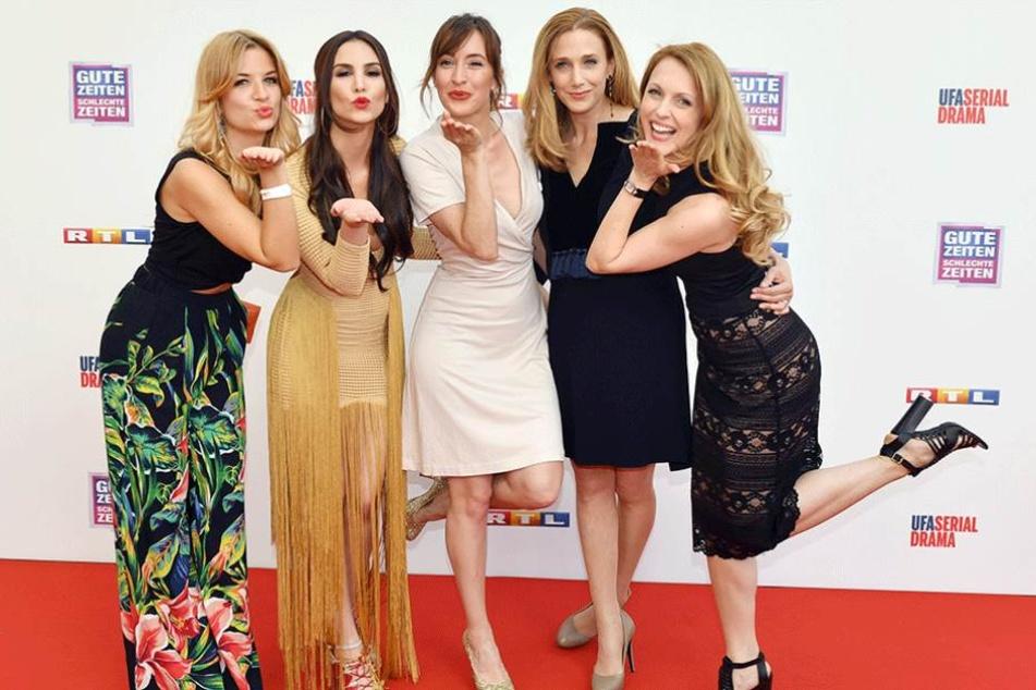 Susan Sideropoulos (l-r), Sila Sahin, Maike von Bremen, Kristin Meyer und Natalie Alison
