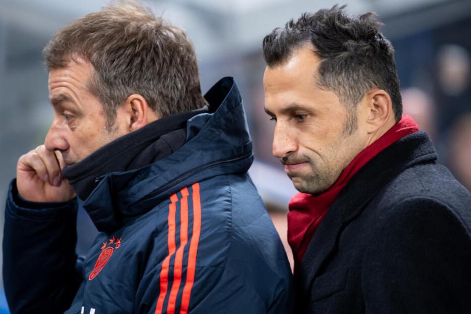 Trainer Hansi Flick (l) und Sportdirektor Hasan Salihamidzic.