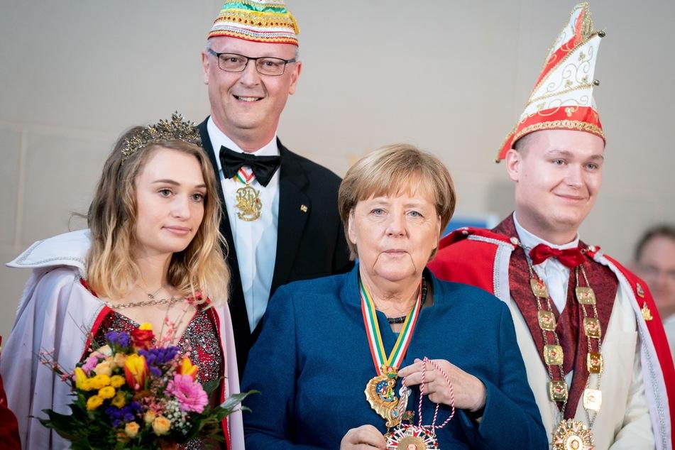 Klaus-Ludwig Fess (2.v.l.) will trotz Corona feiern.