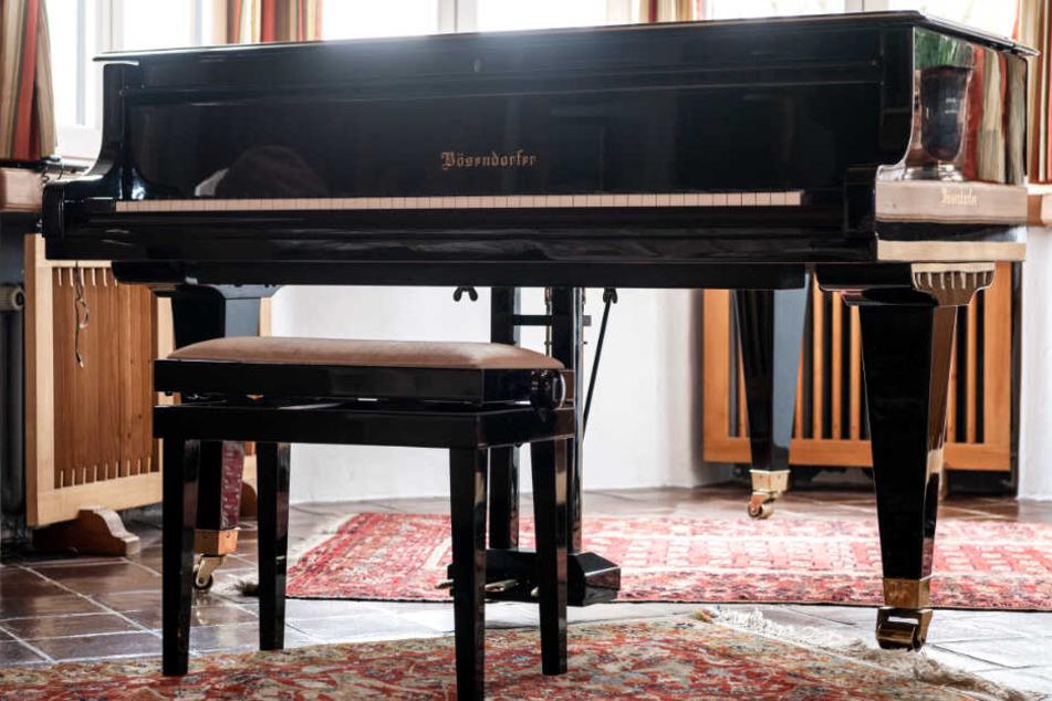 Teures Klavier zum Verkauf: Elfenbeintastatur im Visier der Justiz