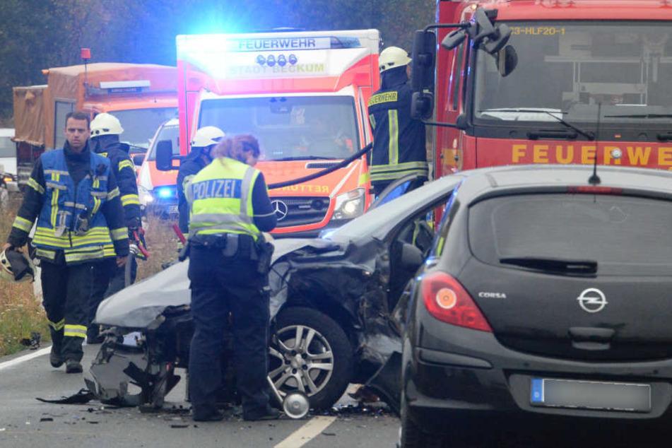 Überholmanöver geht schief: Frontal-Crash fordert drei Verletzte