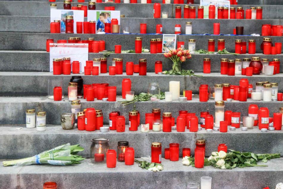 Jugendliche vor S-Bahn geschubst: Schockstarre und große Trauer in Heimatgemeinde