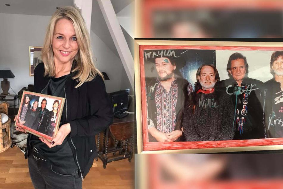 Yvonne Koch versteigert den Nachlass ihres Vaters. Dieses Bild wurde als erstes angeboten.