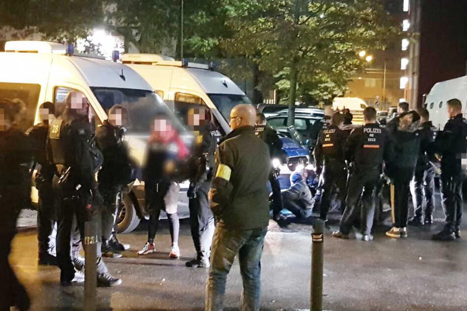 Nach tagelanger Besetzung: Polizei räumt Backhaus in Frankfurt-Bockenheim