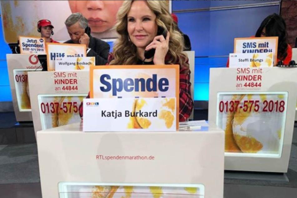 Im Einsatz für den guten Zweck: Hier könnt Ihr mit Katja Burkard telefonieren
