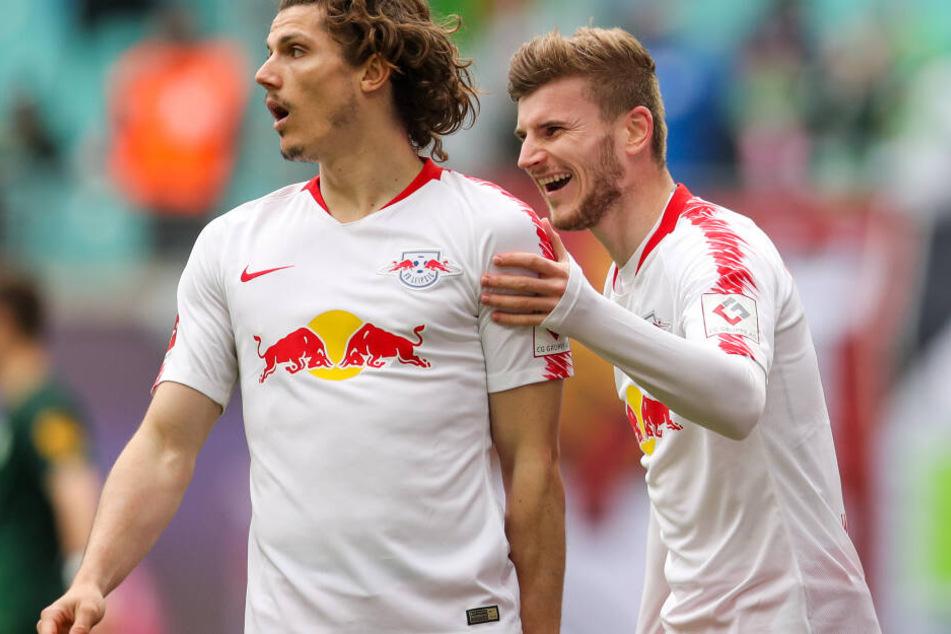 Nach seinem Treffer zum 2:0, seinem 14. in der Bundesliga, feierte Werner mit Teamkollege Marcel Sabitzer (l.).