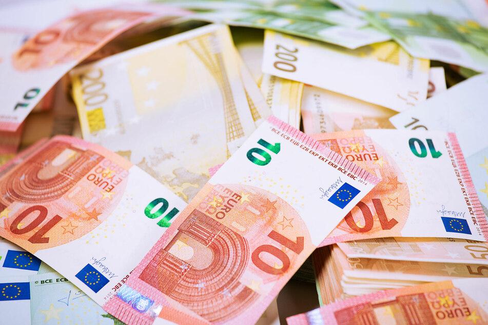 """Wer bei der GlücksSpirale """"7 Richtige"""" hat, kann sich auf eine 20-jährige monatliche Rente von 10.000 Euro freuen."""