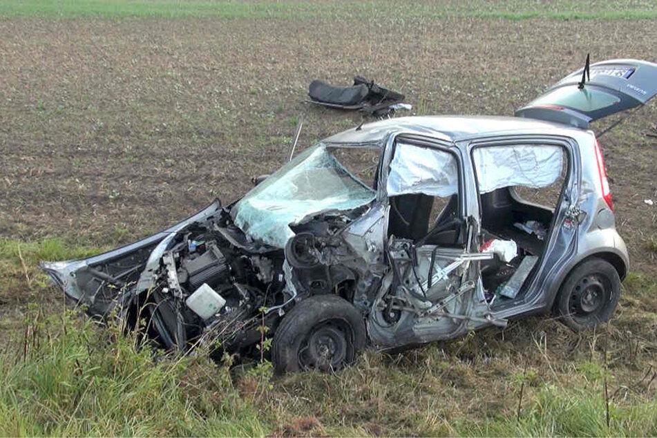 Die Autofahrerin wurde bei dem Unfall schwer verletzt.