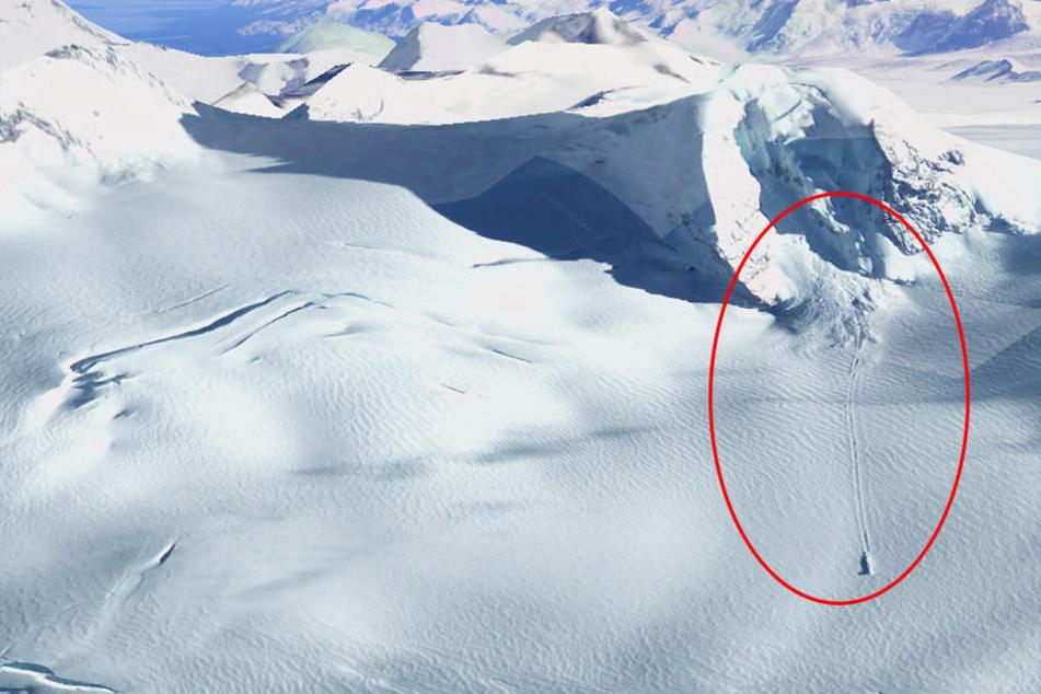 Nahe des Mount Paget wurde etwas im Schnee entdeckt.