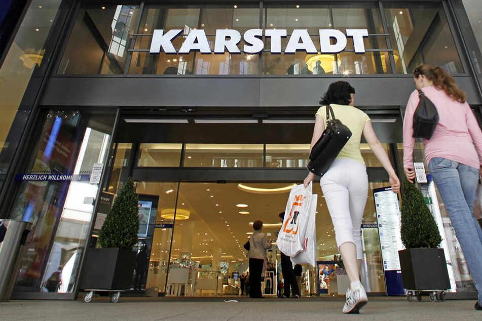 In der Leipziger Filiale hat der Ausverkauf gestartet. (Symbolbild)