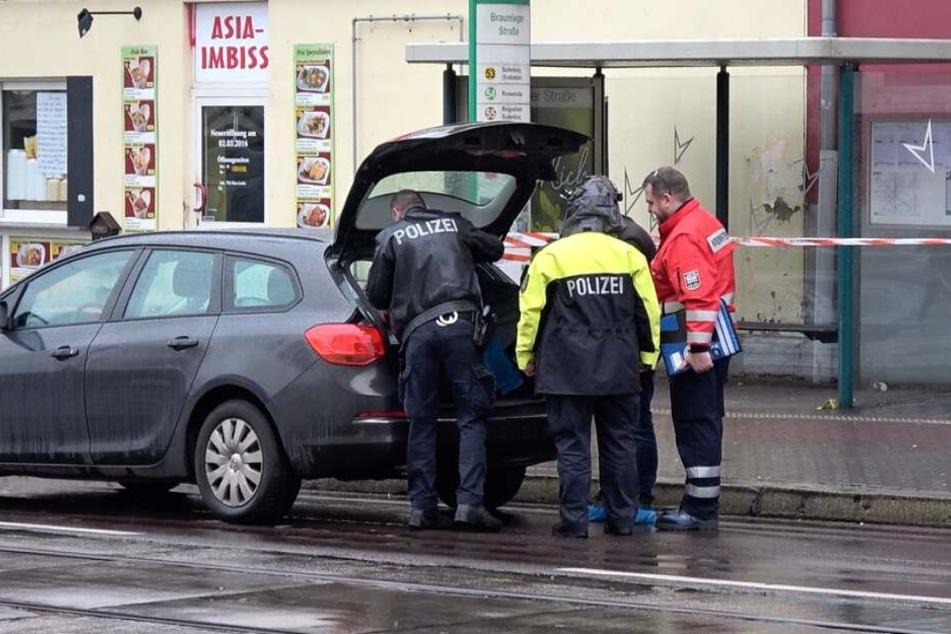 Die Polizei sicherte Spuren am Tatort.