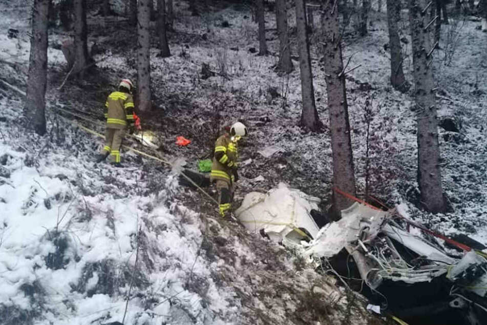 Flugzeug stürzt in Österreich ab: Vater tot, Kinder (9, 11) überleben