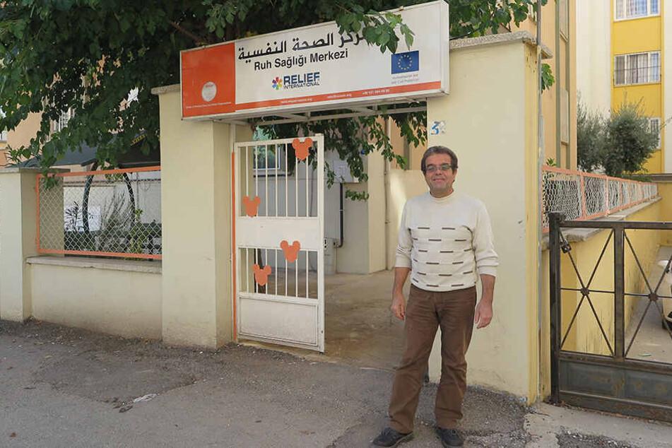 Um seinen Landsleuten helfen zu können, gab der syrische Psychiater Jalal Nofal sogar sein politisches Asyl in Deutschland auf.