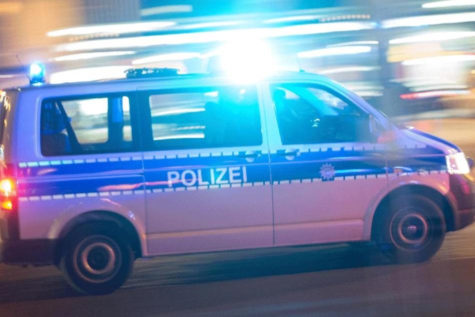 Die alarmierten Beamten konnten den Täter schnell stellen (Symbolbild).