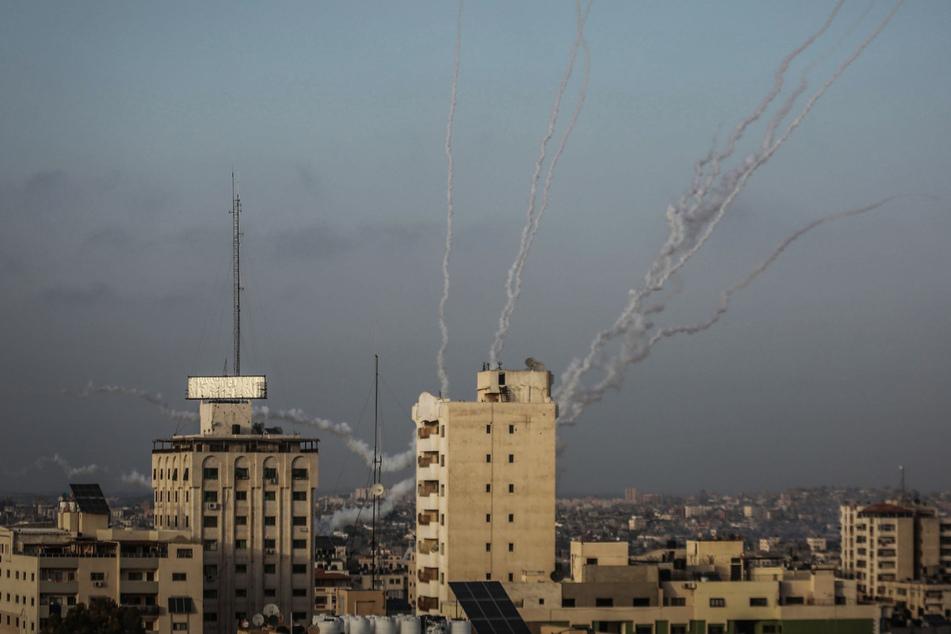 Militante Palästinenser attackieren Israel mit mehr als 200 Raketen